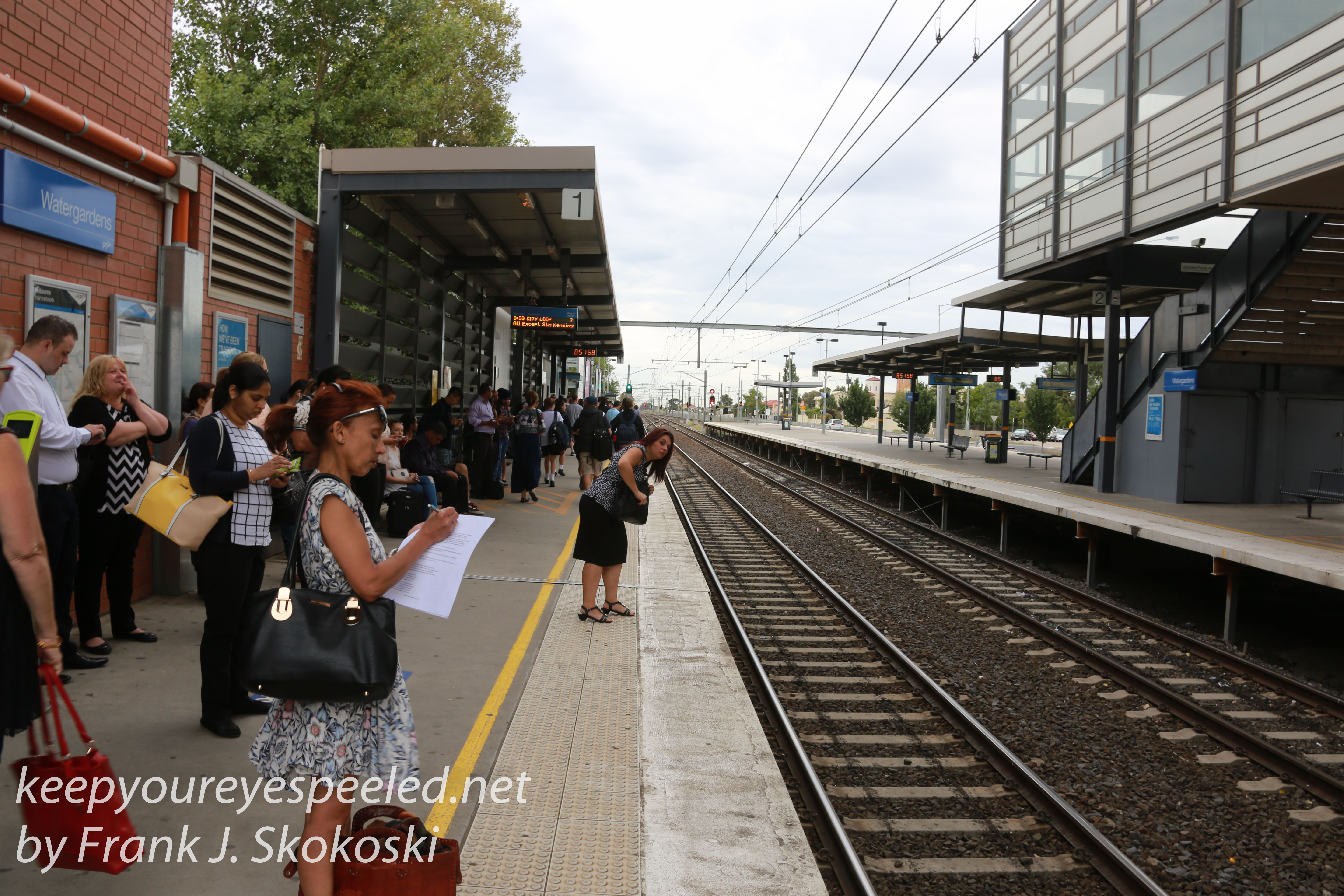 Melbourne bus and train -8
